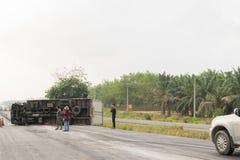 Samochód ciężarówki trzask od samochód ciężarówki wypadku na drodze Zdjęcia Royalty Free