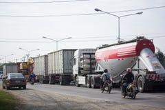 Samochód i ruch drogowy na autostrady drodze blisko Juction Obraz Stock