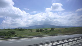 Samochód jedzie na autobahn w Grecja zdjęcie wideo