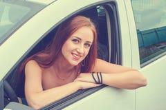 samochód kobiet jej potomstwa Zdjęcia Royalty Free