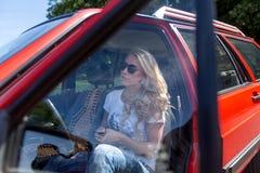 samochód kobiet jej potomstwa Zdjęcie Royalty Free