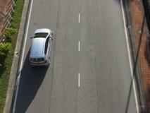 Samochód na drodze obraz stock