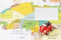 Samochód na mapie Obraz Royalty Free