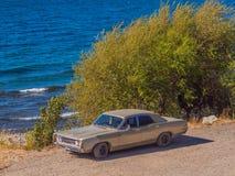 Samochód na plaży Fotografia Stock