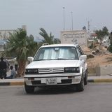 Samochód parkujący w ulicie Obraz Royalty Free