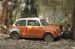 Samochód porzucona Mini Flanka Zdjęcia Royalty Free