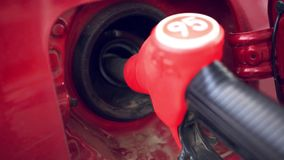 Samochód refueling na staci benzynowej zdjęcie wideo