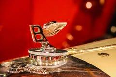 samochód samochód retro sepiowy roczne Bentley emblemat fotografia royalty free