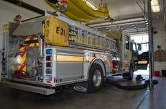 Samochód strażacki wśrodku staci Zdjęcie Royalty Free