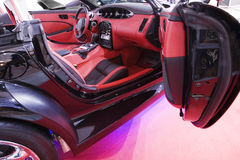 samochód w czerwonym Fotografia Royalty Free