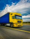 Samochód w ruchu Autobahn rozmytym z ostrości zdjęcia royalty free