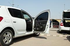 Samochód z ogromną liczbą zainstalowani audio mówcy i subwoofe Zdjęcie Stock