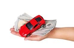 Samochód z spienięża wewnątrz żeńską rękę odizolowywającą na bielu Fotografia Stock