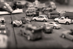 Samochód zabawki na drewnianym tle Fotografia Royalty Free