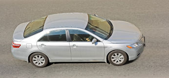 samochód sedanu srebra Obraz Stock
