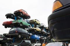 Samochodów wraki przy junkyard Zdjęcia Royalty Free