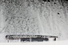 Samochodowa biel piana przy samochodowym obmyciem Obrazy Royalty Free