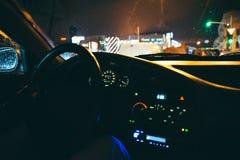 Samochodowa deska rozdzielcza przy wieczór czasem Zdjęcia Royalty Free