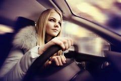 samochodowa napędowa dziewczyna obrazy royalty free