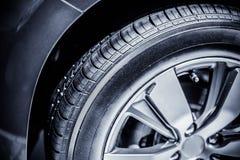 Samochodowa opona zdjęcie royalty free