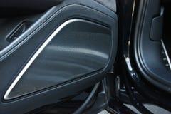 Samochodowa wewnętrzna luksus usługa Samochodowi wnętrze szczegóły obraz royalty free