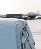 Samochodowa zima w wiosce Zdjęcia Royalty Free