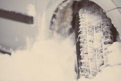 Samochodowa zimy opona Zdjęcia Stock