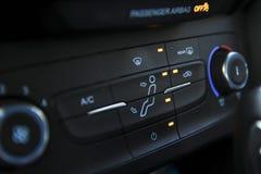 Samochodowe ogrzewania i deaktywacji kontrole fotografia stock