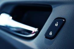 Samochodowego drzwi kędziorka guzik zdjęcie royalty free