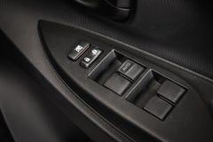 Samochodowego drzwi kędziorka guzika zbliżenie Elektryczny zatrzaskiwanie guzik w Nowożytnym Zdjęcia Stock