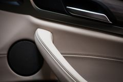 Samochodowego drzwi mówca i otwieracz obrazy stock