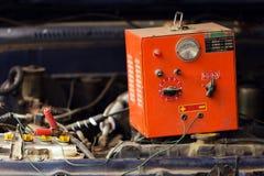 Samochodowej baterii ładować Fotografia Stock