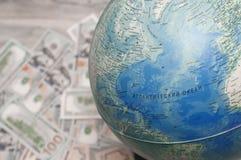 samochodowej miasta pojęcia Dublin mapy mała podróż Kula ziemska, pieniądze narządzanie dla wycieczki, urlopowy wybór Obrazy Royalty Free