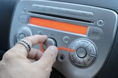 Samochodowy audio systemu poj?cie Odtwarzacz muzyczny w samochodzie zdjęcie stock