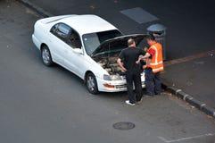 Samochodowy awarii usługa pobocza ratunek Fotografia Stock