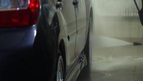 samochodowy czysty w?? elastyczny maszyny g?bki obmycie Samochodowa p?uczka myje samoch?d Samochodowego obmycia pracownik myje sa zdjęcie wideo
