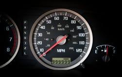 Samochodowy deska rozdzielcza drogomierz z nieskończoność milami Zdjęcie Royalty Free