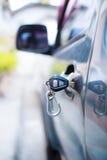 Samochodowy drzwi i klucz zdjęcie royalty free