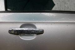 Samochodowy drzwi jest mokry deszczem Obraz Stock
