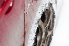 Samochodowy koło opóźniający w śniegu zdjęcie royalty free
