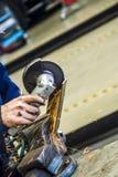 Samochodowy mechanik z wyrwaniem Fotografia Stock