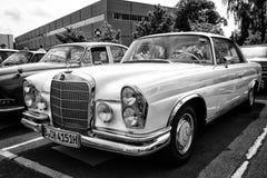 Samochodowy Mercedes-Benz 280 SE coupe (W111) Zdjęcia Stock
