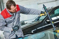 Samochodowy przedniej szyby lub windscreen zastępstwo obraz royalty free