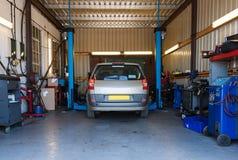 Samochodowy remontowy garaż Zdjęcia Royalty Free
