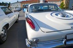 Samochodowy Am spotkanie wewnątrz halden (1960 Chrysler 300 f) Obraz Stock
