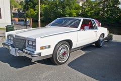 Samochodowy Am spotkanie wewnątrz halden (1984 Cadillac eldorado) Obraz Royalty Free