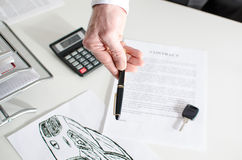 Samochodowy sprzedaż kontrakt Fotografia Stock