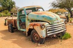 Samochodowy wrak w pustyni Zdjęcie Stock