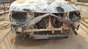 Samochodowy wrak, wypadek i podpalający Zdjęcia Royalty Free