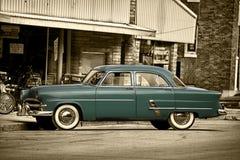 samochodu lata pięćdziesiąte miasto rodzinne Zdjęcia Stock